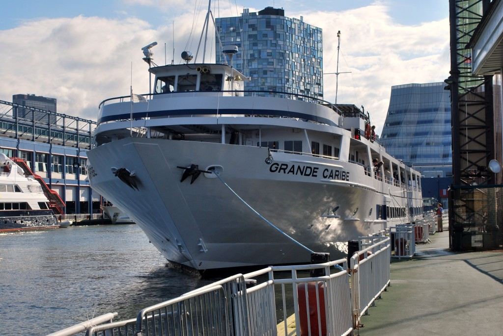 Blount's Grande Caribe at Chelsea Piers, Manhattan. * Photo: Ted Scull