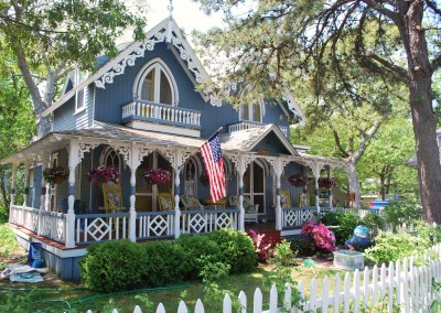 Gingerbread Victorians on Martha's Vineyard. * Photo: Ted Scull