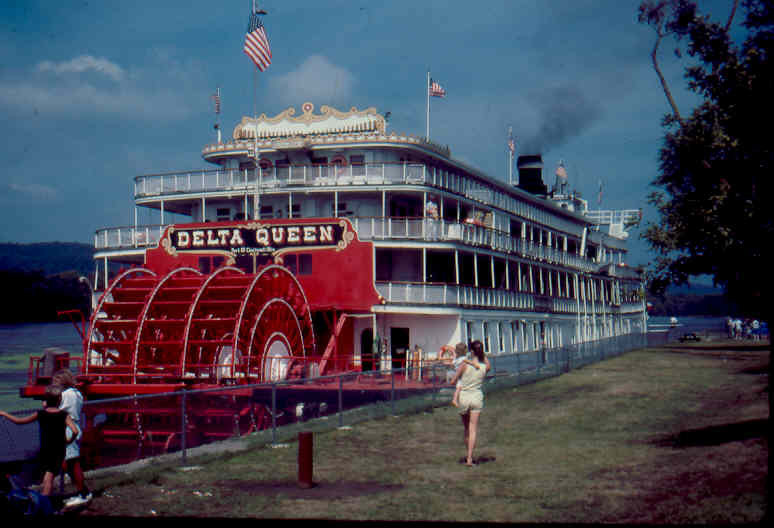 Delta Queen in 1990. * Photo: Ted Scull