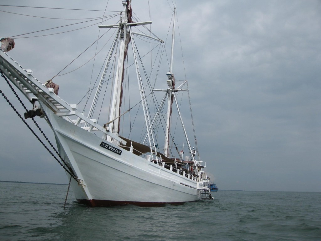 The Bugis schooner takes the adventurous back in time. * Photo credit: Heidi Sarna