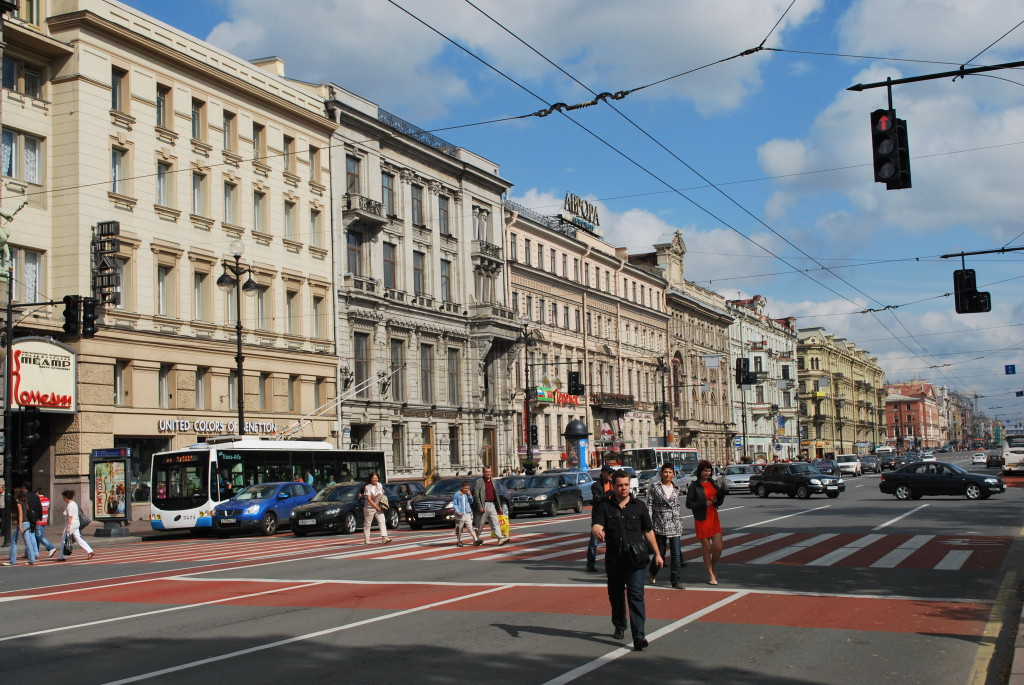 Nevsky Prospekt, St. Petersburg's grand boulevard. * Photo: Ted Scull