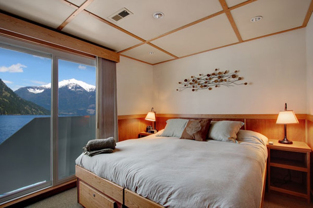 Captain-grade cabin on the Safari Quest. * Photo: Un-Cruise Adventures.