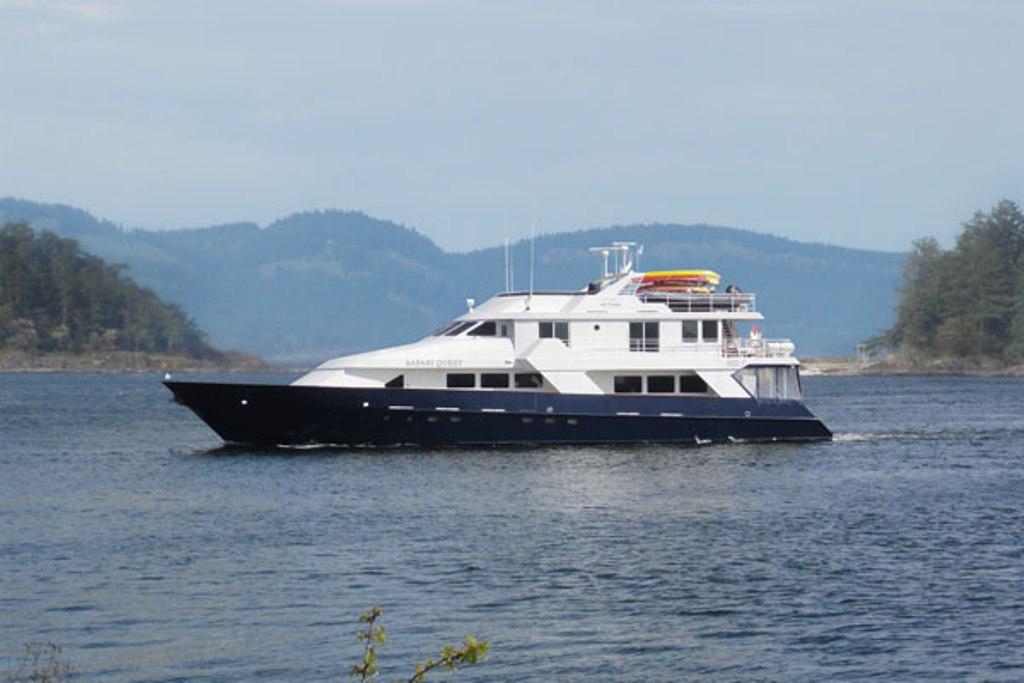 Safari Quest takes just 22 passengers.* Photo: Un-Cruise Adventures.
