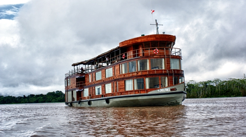 Amazon riverboat DELFIN II - Green Tracks