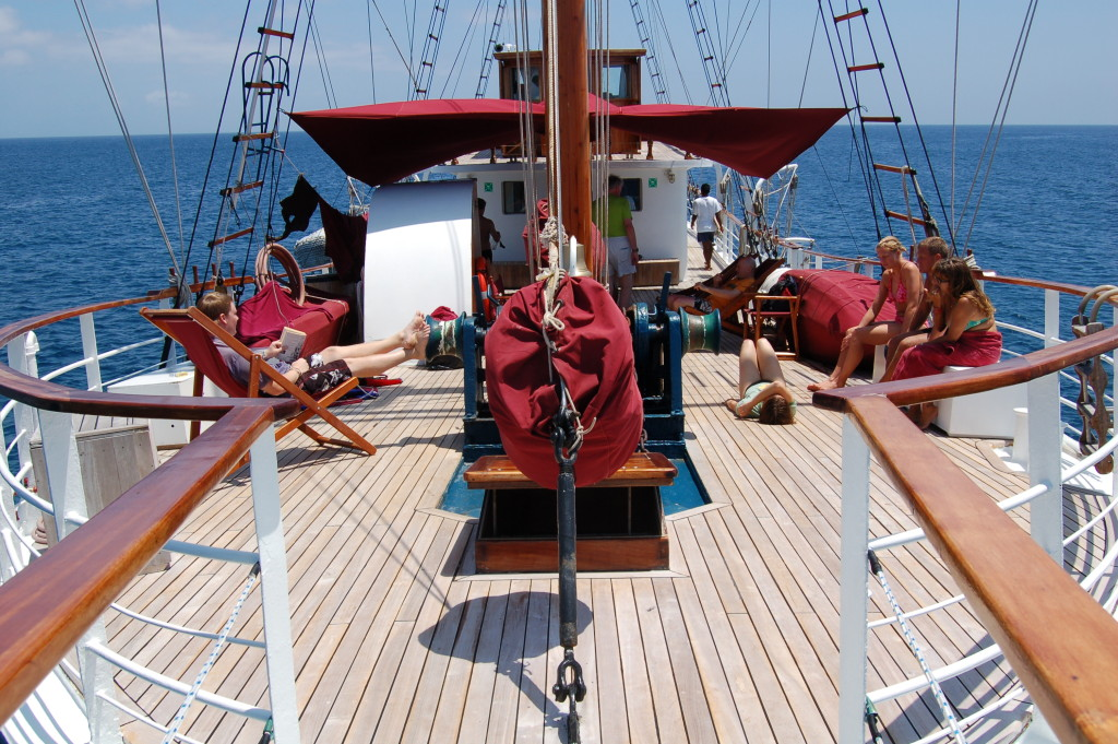 Hanging out on Deck aboard Sagitta. * Photo: Island Windjammers