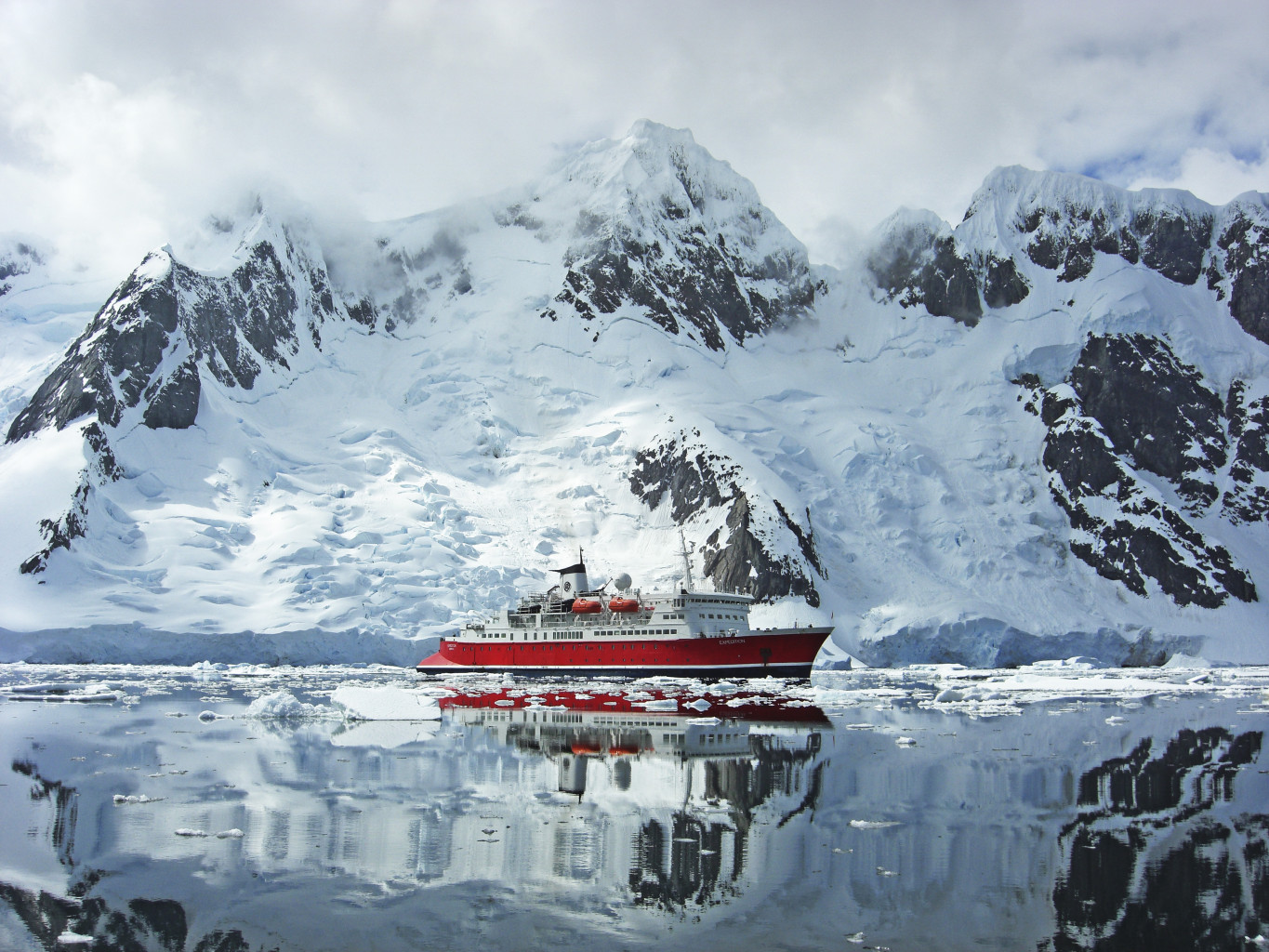 G Expedition in Antarctica. * Photo: © G Adventures, Inc.