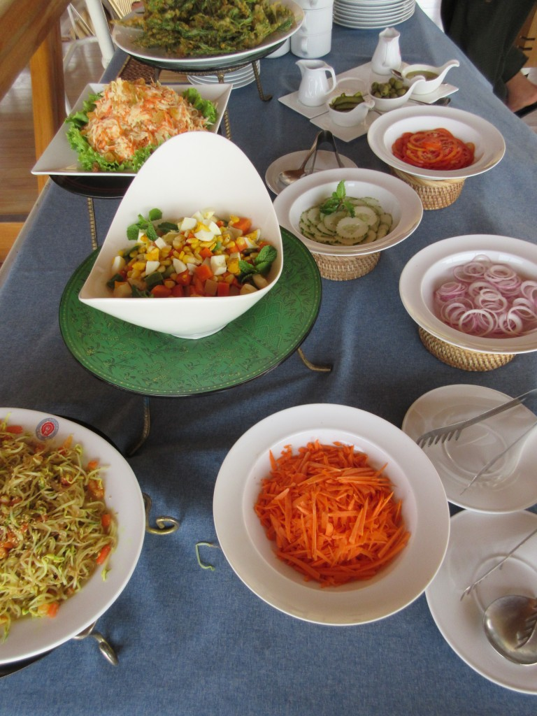 Delicious local fare presented in a simple buffet spread. * Photo: Heidi