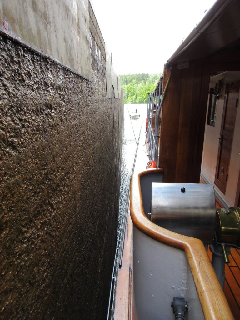 Juno slips through many locks with barely an inch to spare. * Photo: Heidi Sarna