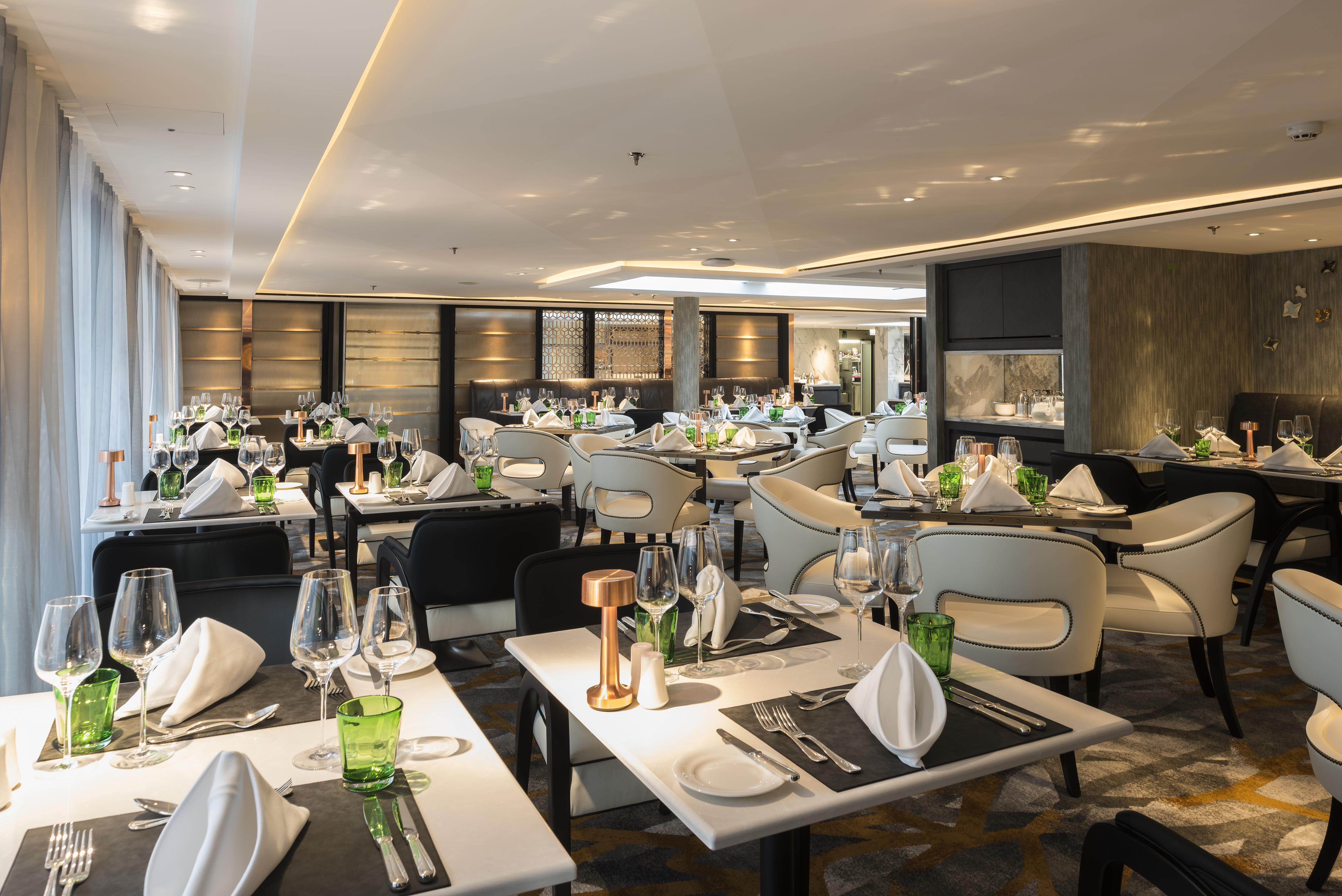 Crystal Mozart's Waterside Restaurant. * Photo: Crystal Cruises