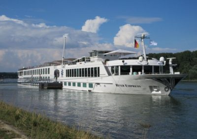 An easy gangway walk from the banks of the Rhine to the River Empress *  Photo: Heidi Sarna