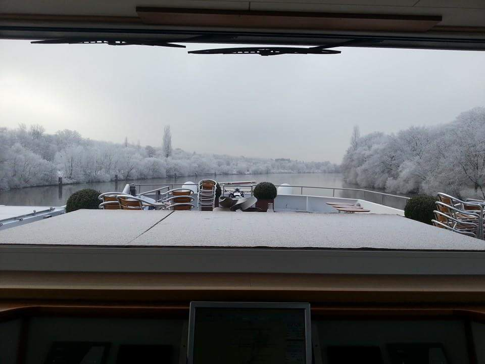 A snowy winter day on the Rhine River. * Photo: Henk Jan Plaatje