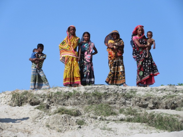 Villagers along the banks of the Brahmaputra. * Photo: Heidi Sarna