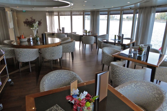AMACERTO Chef's Table, facing starboard.