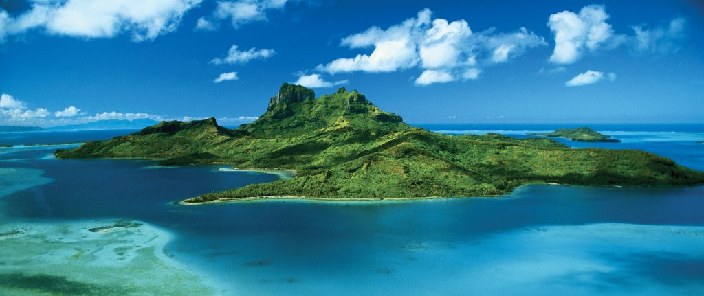 Bore, Bora, French Polynesia.