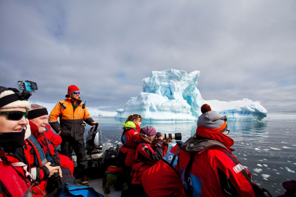 Cruising amongst the ice, One Ocean Expeditions