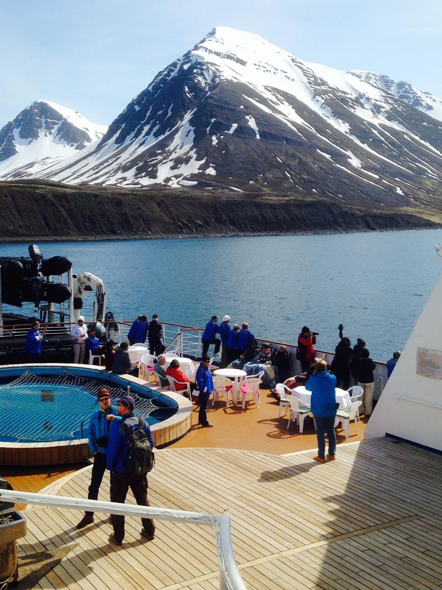 Circumnavigating Iceland