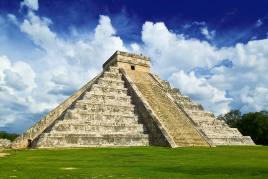 quirky-cruise-victory-cruise-lines-deals-mexico-yucatan-chichen-itza-mayan-ruins
