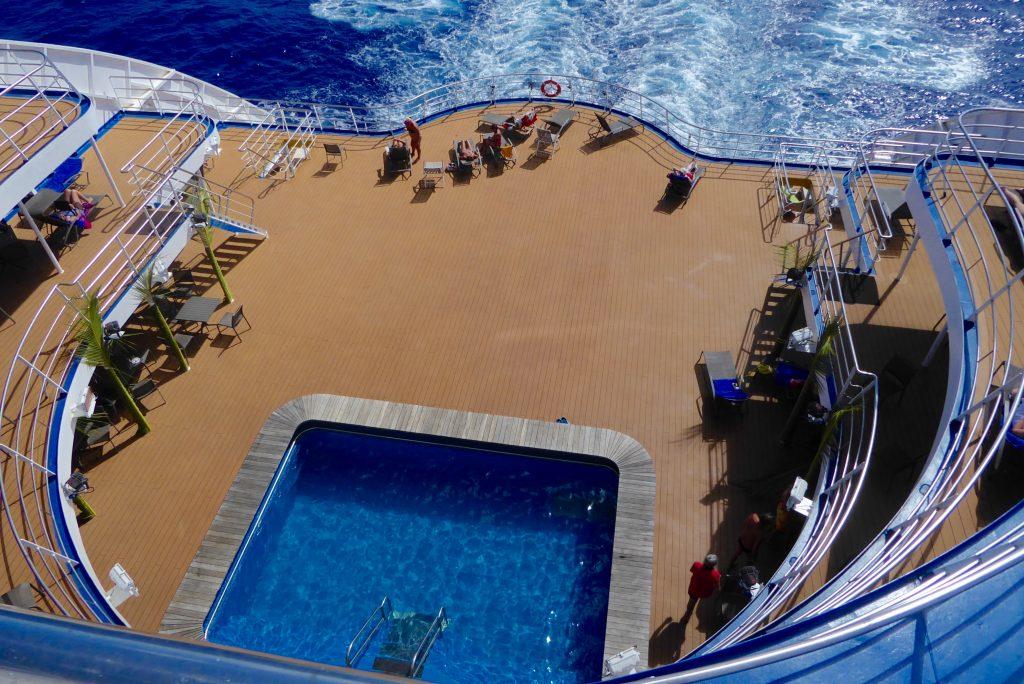 pool deck on Aranui 5