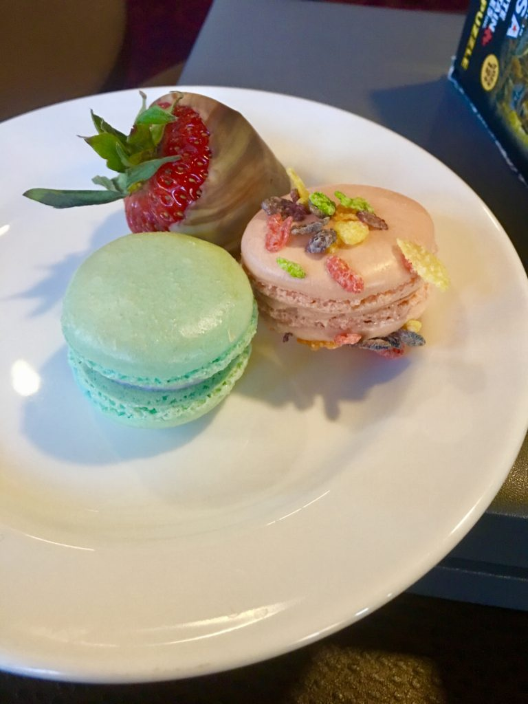 Dessert, fruity pebbles and candy floss macarons