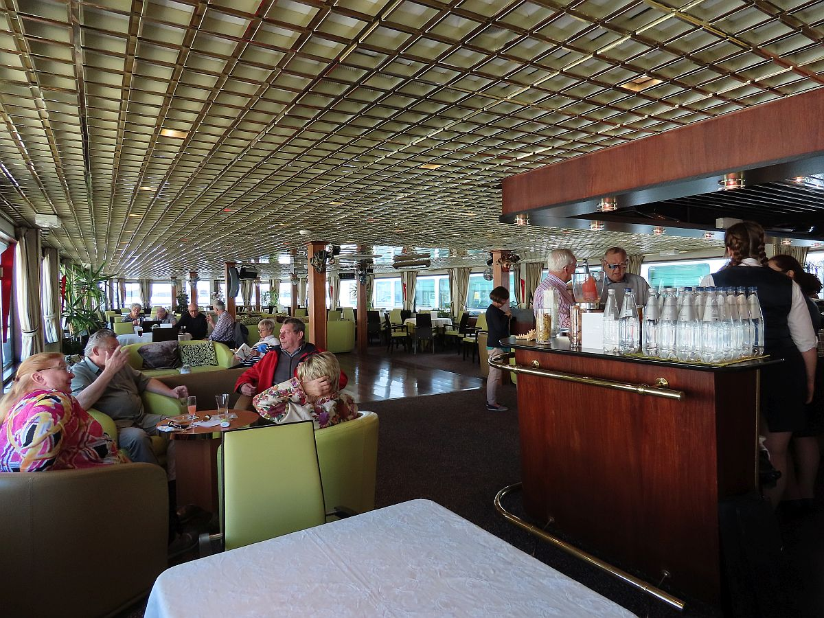 The Lounge of the CroisiEurope's Michelangelo