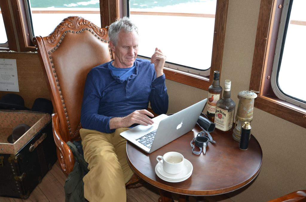 relaxing in the lounge on a Columbia & Snake River cruise