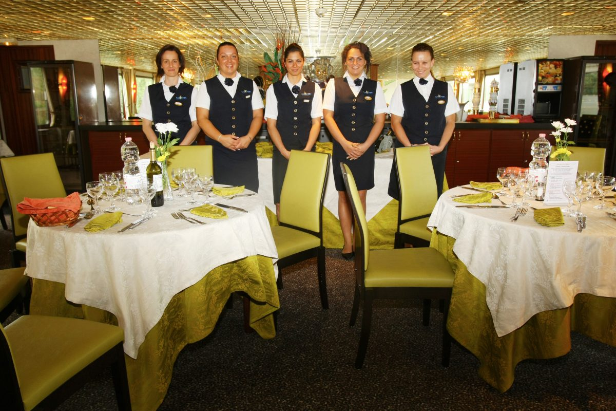 La salle de Restaurant aboard the Michelangelo.