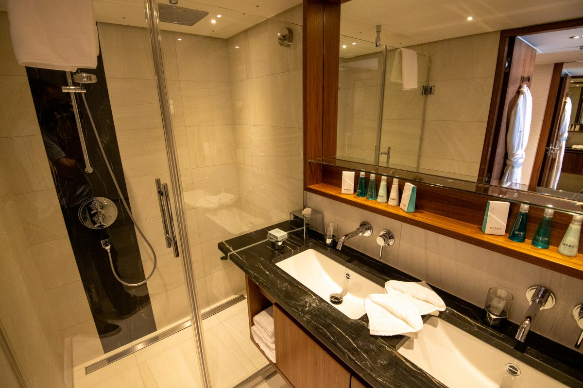 Ama Magna's large cabin bathroom