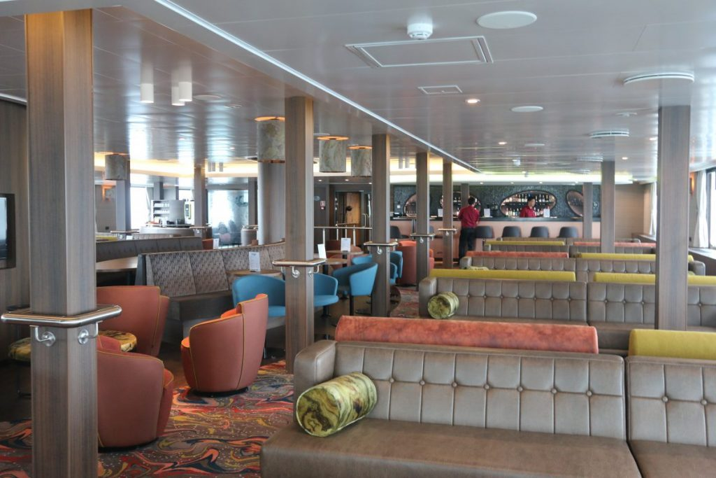 The main lounge of Oceanwide Expeditions Hondius