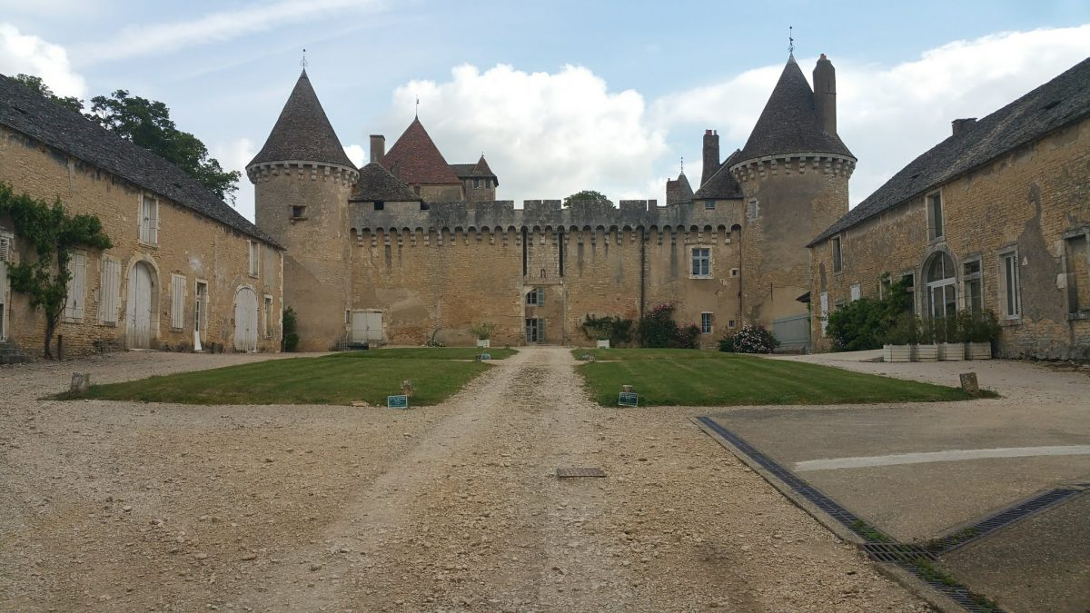 Seeing Chateau Rully on a barge cruise