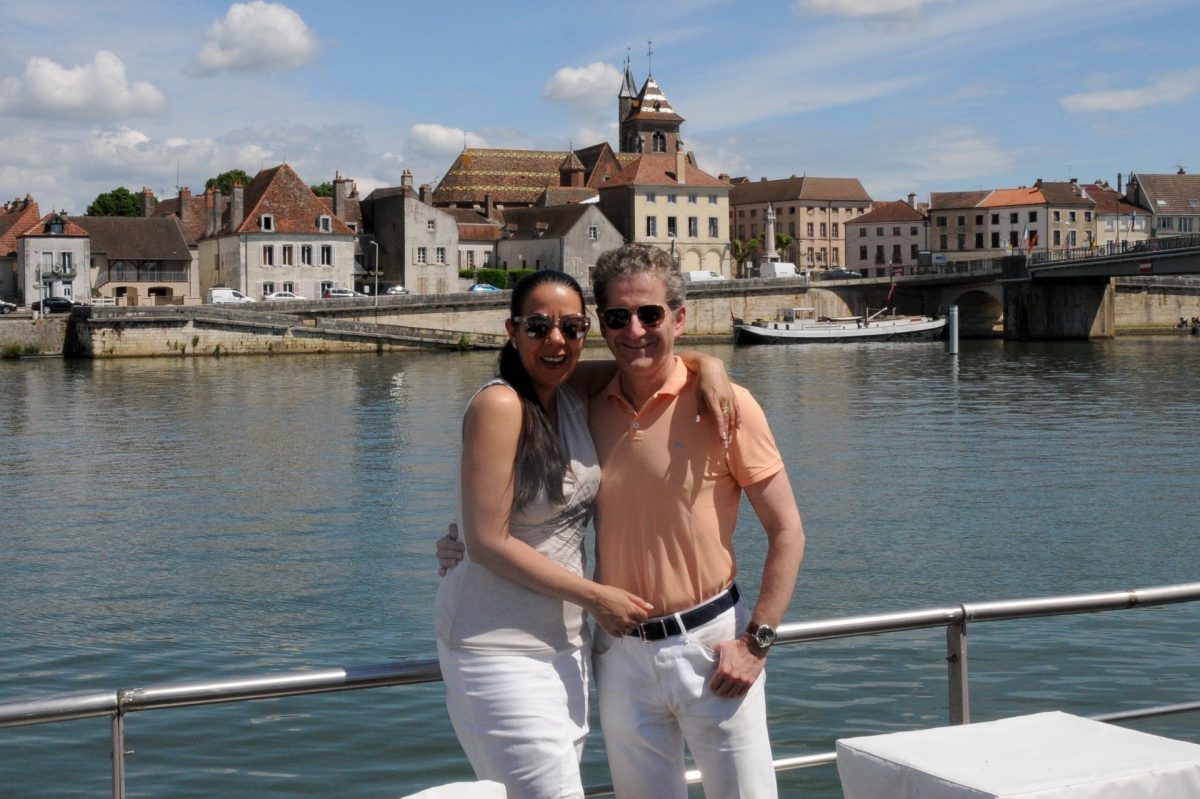 Chrissy & Peter enjoy Canal Cruising in France