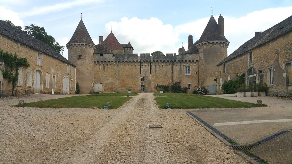 A visit to Chateau de Rully on a French barge cruise