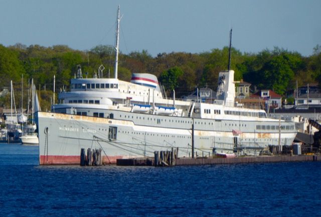 Great Lakes Cruising and the Milwaukee Clipper