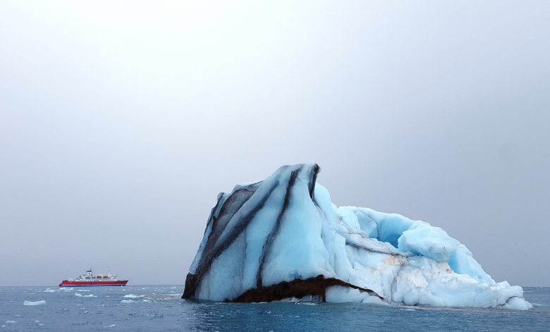 Ban Heavy Fuel Oil would help to mitigate icebergs blackened by soot