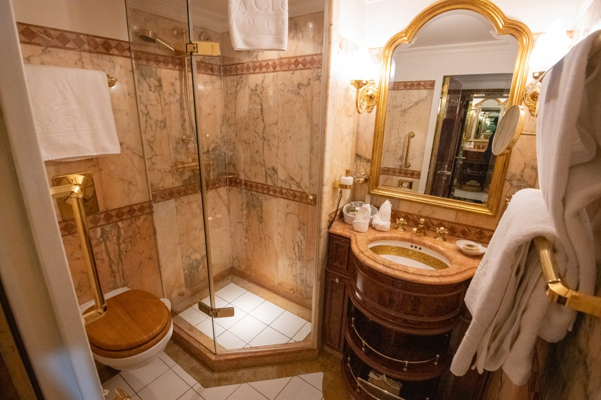 Sea Cloud II cabin bathroom