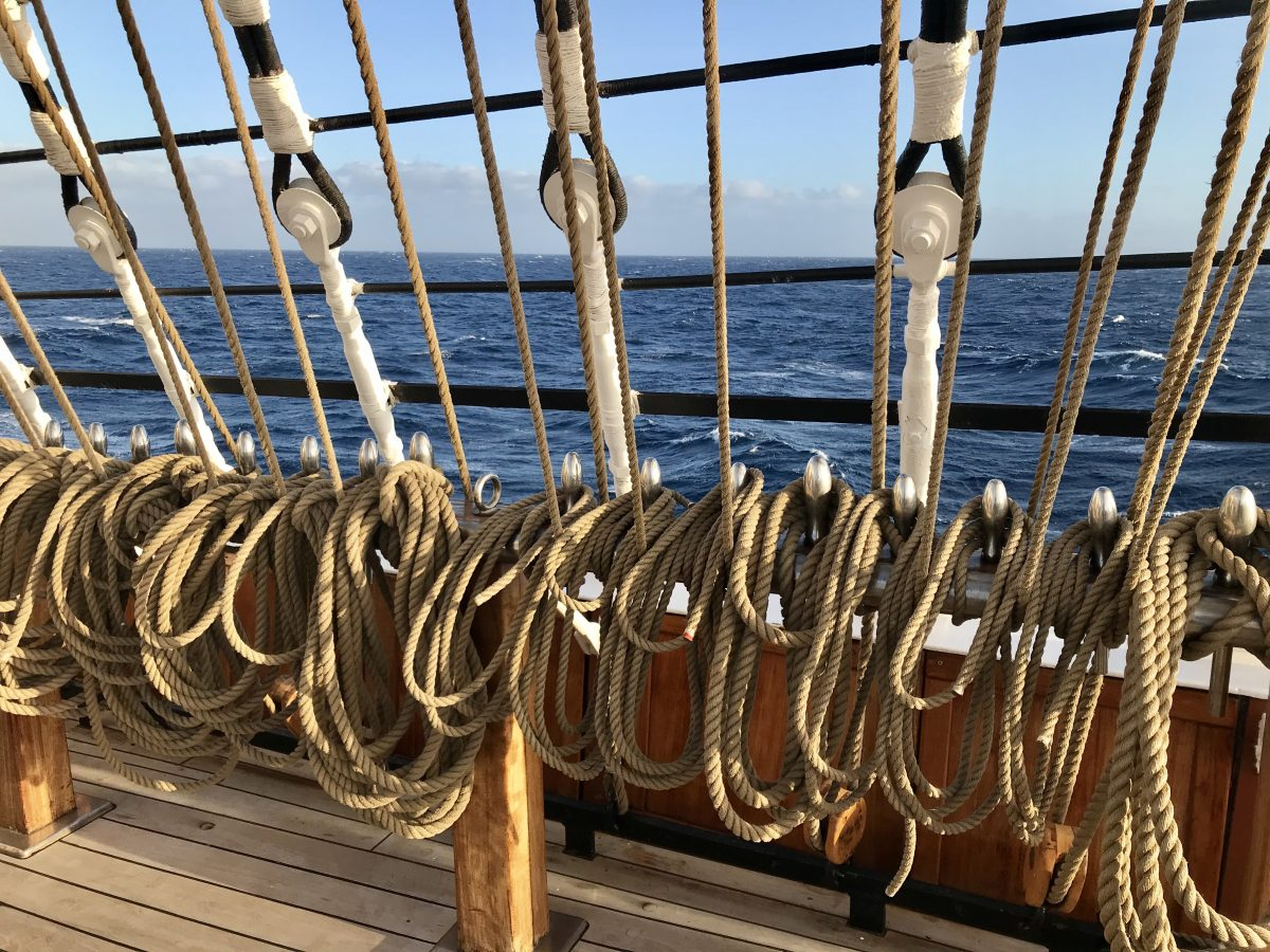 The ropes and pegs of the Sea Cloud II