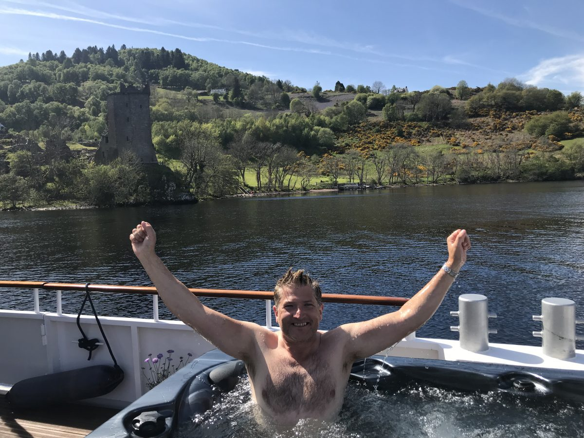 Hot tubbing with European Waterways for Robin