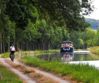 Cycling alongside L'Impressionniste