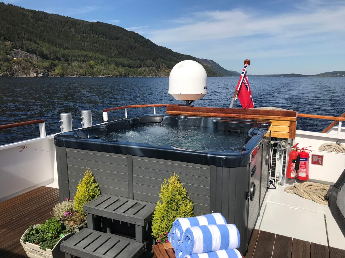 Spirit of Scotland hot tub