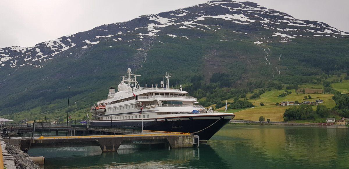 small-ship cruising restarts