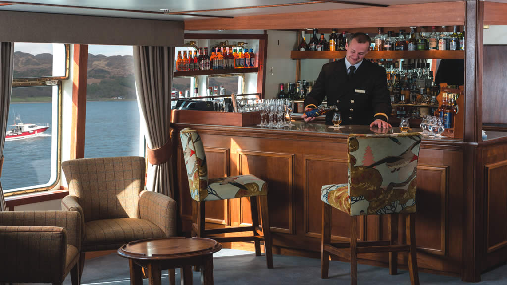 Hebridean Princess bar