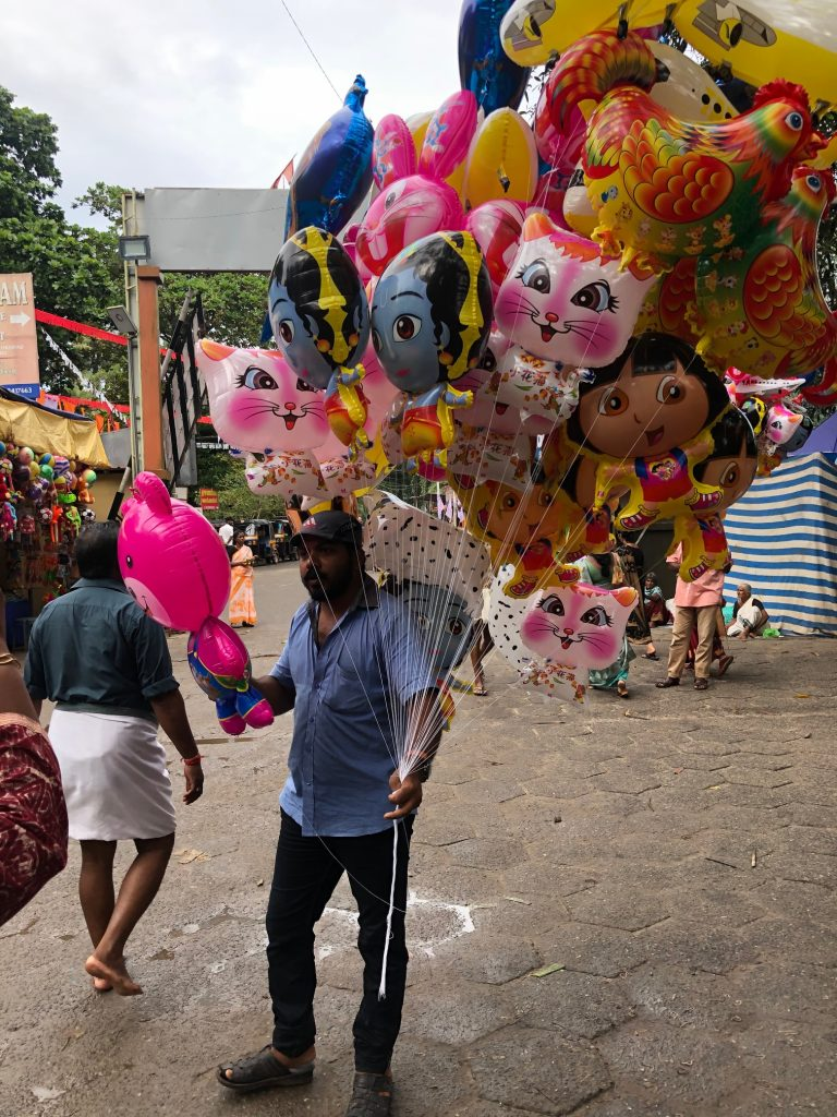 balloon seller in Kerala