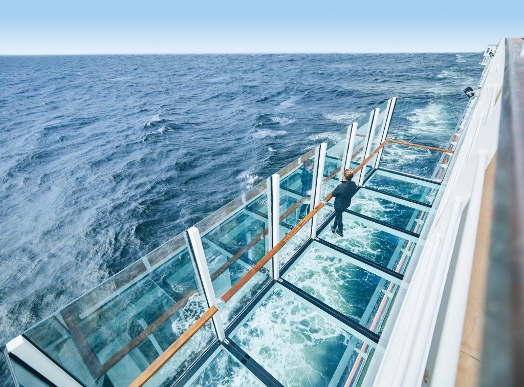 Hanseatic Spirit glass balcony