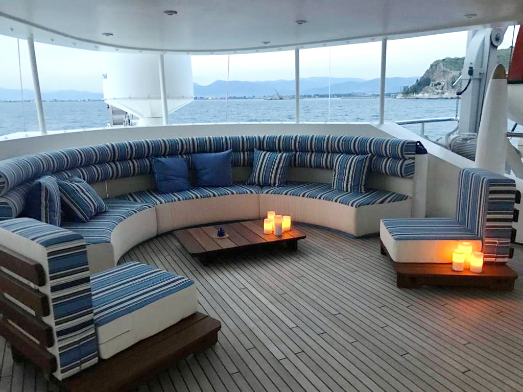 Terrace Lounge on Running on Waves
